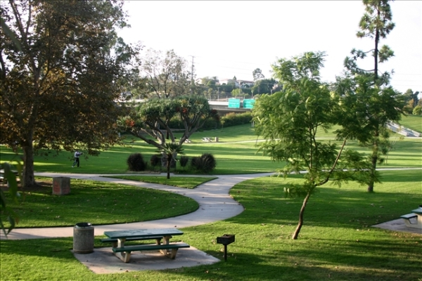 Dog Groomers and Parks in La Mesa