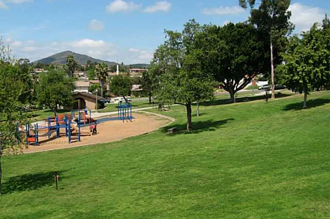 Dog Park and Groomers in La Mesa